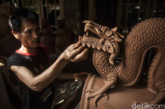 Yogyakarta terkenal dengan para perupa dan perajin kesenian yang hebat dan diakui baik lokal maupun internasional.