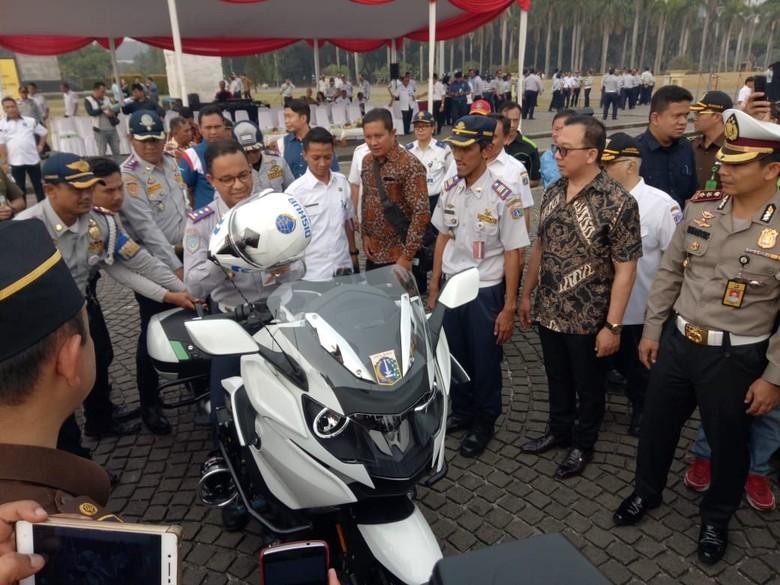 Moge BMW K1600B Dishub DKI. Foto: Fotografer: Muhammad Fida Ul Haq