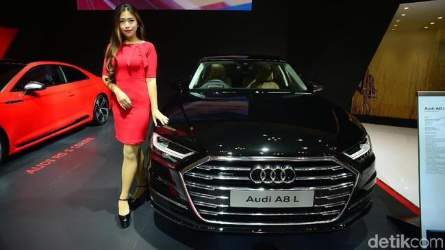 Audi A8 L. Foto: Ari Saputra