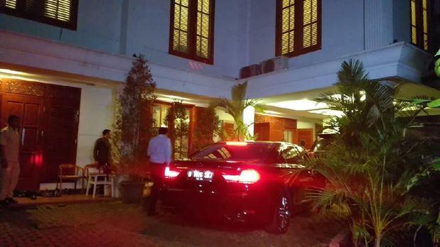 Wisnu Wardhana Sambangi Rumah Prabowo