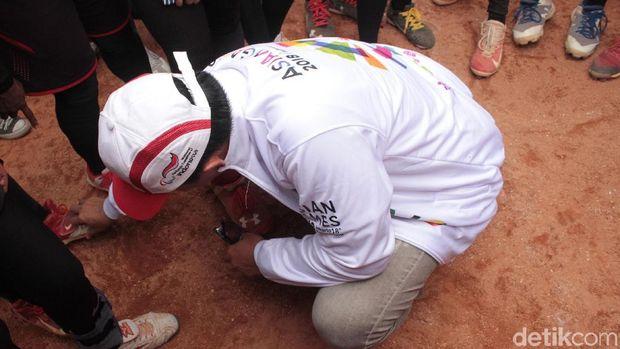 Menpora Minta Perbasasi Selesaikan Masalah Sepatu Lawas Timnas Sofbol