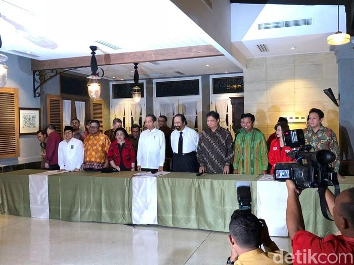 Jokowi mengumumkan cawapres. (Jordan/detikcom)