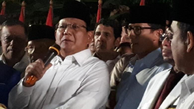 Prabowo-Sandiaga Uno Salat Jumat di Istiqlal Lalu Daftar ke KPU