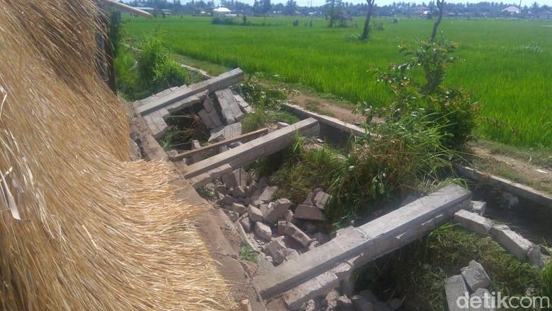 Gempa 6,2 SR Robohkan Pagar Rumah di Lombok Utara