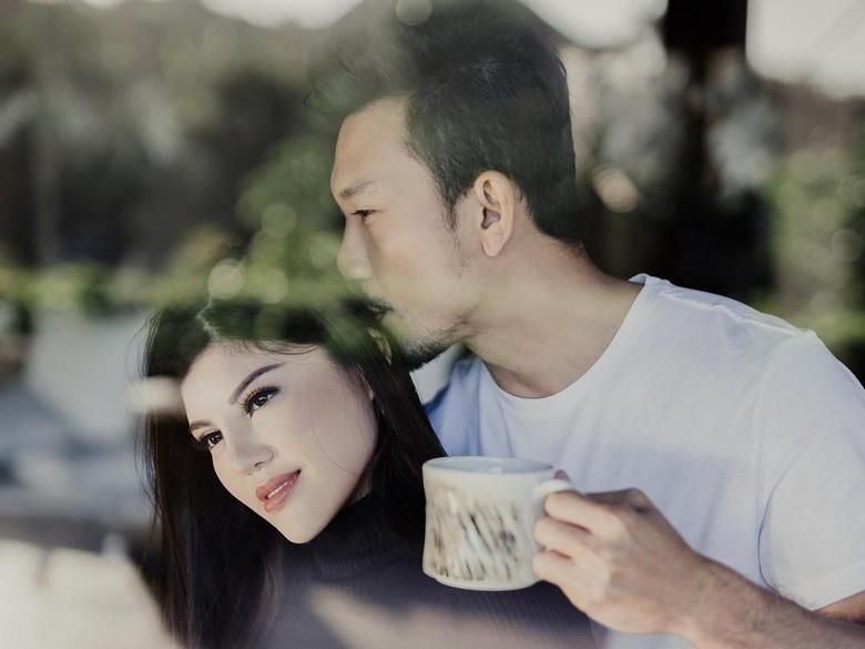 Diminta Denny Sumargo Mandiri Urus Pernikahan, Dita Soedarjo Bete