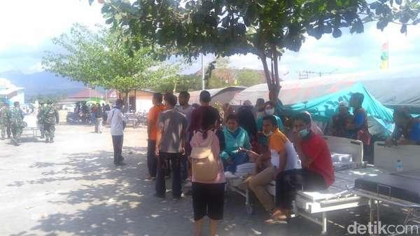 Gempa 6,2 SR di NTB, Warga-Pengungsi Berhamburan ke Luar Rumah