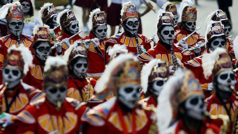 Dia de Muertos atau Festival Kematian merupakan tradisi luhur masyarakat Meksiko yang sudah dilakukan ratusan tahun lalu dan masih dilaksanakan sampai sekarang (Edgard Garrido/Reuters)