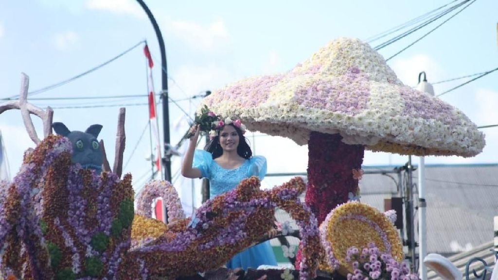 Meriahnya Tomohon International Flower Festival 2018