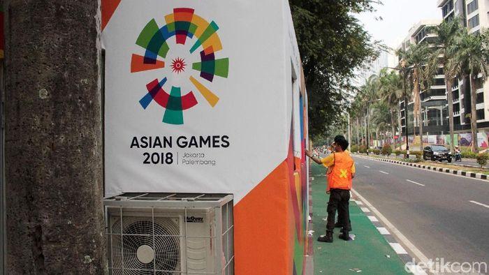 Loket tiket Asian Games 2018 disediakan di kawasan GBK, Senayan, Jakarta. Saat ini loket terebut masih dipercantik dengan logo Asian Games.
