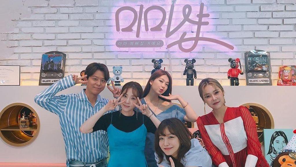 Intip Serunya Para Wanita Didandani Artis Korea di Acara Mimi Shop
