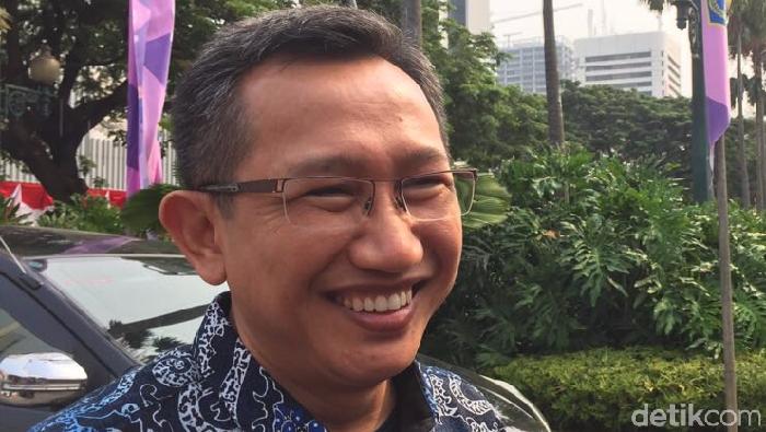 Eep Saefolloh Fatah menemui Gubernur DKI Anies Baswedan.