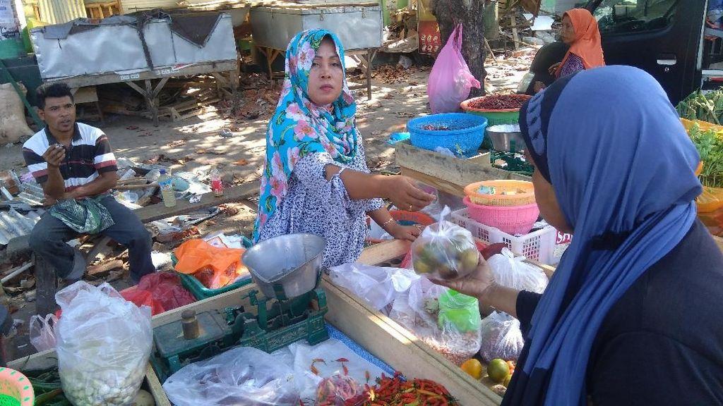 Potret Geliat Pedagang Mulai Berjualan Pascagempa Lombok