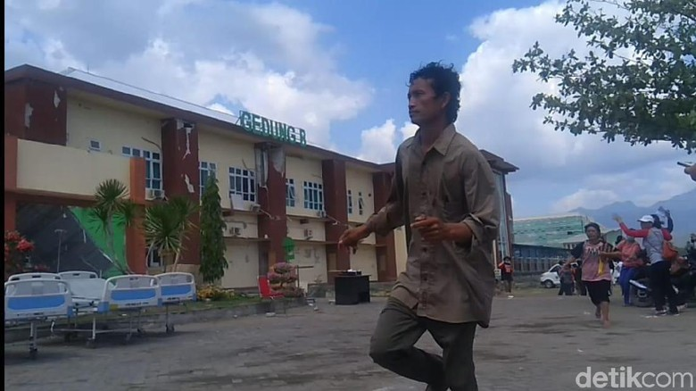 Gempa 6,2 SR di Mataram, 2 Orang Tewas Tertimpa Bangunan