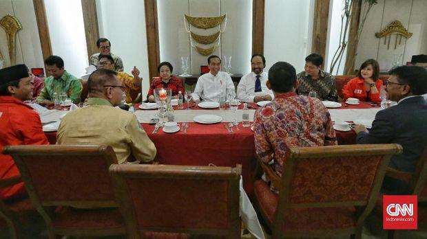 Jokowi Berinisiatif Temui Prabowo, tapi Belum Berbalas