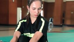 Wewey Wita salah satu atlet yang menyumbangkan emas untuk Indonesia di ajang Asian Games 2018. Begini pesonanya saat berlatih.