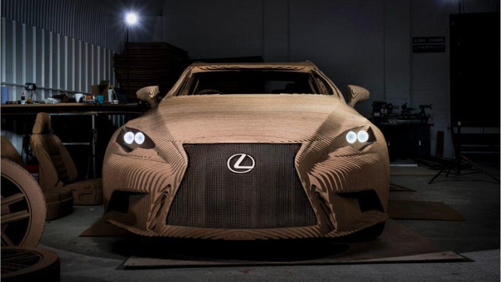 Lexus Pernah Buat Mobil dari Kardus