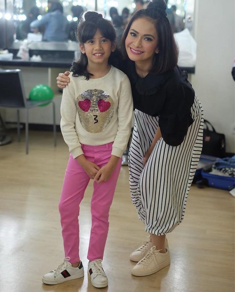 Talullah yang akrab disapa Ulla adalah putri kedua presenter Ersa Mayori. (Foto: Instagram @talullahmalaika)