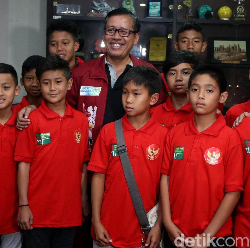 Kemenpora Lepas Tim Pelajar U-12 ke China