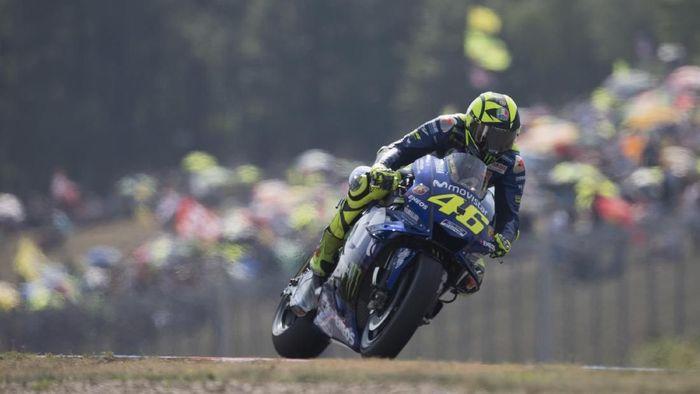 Valentino Rossi berharap bisa naik podium di MotoGP Austria akhir pekan nanti. (Foto: Mirco Lazzari gp/Getty Images)
