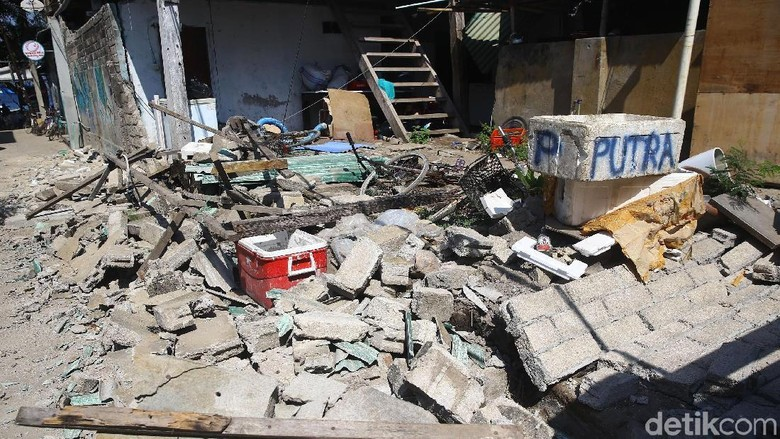 Kerusakan Akibat Gempa di Gili Trawangan