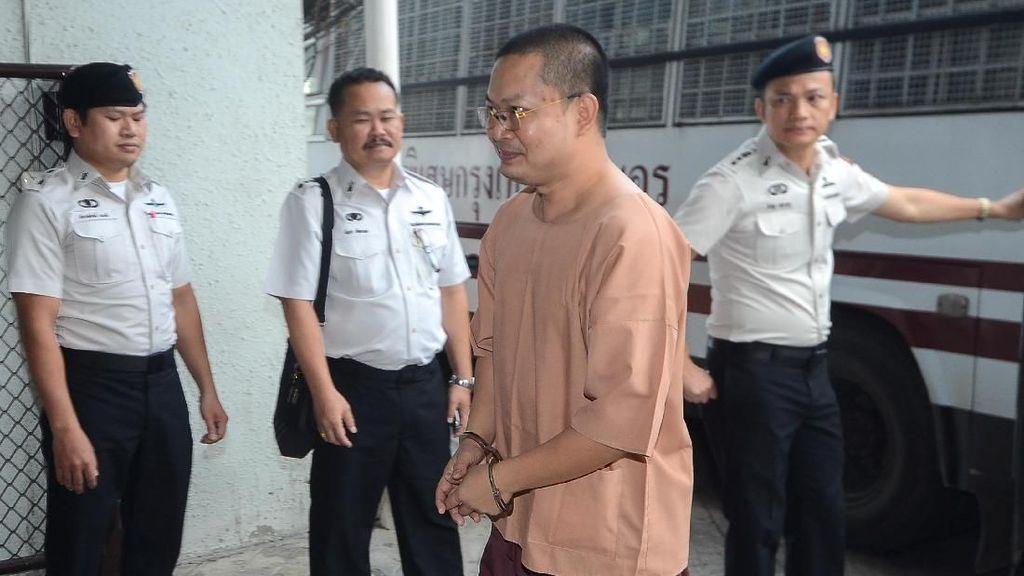 Biksu Kontroversial Thailand Dibui 16 Tahun Atas Pemerkosaan Anak