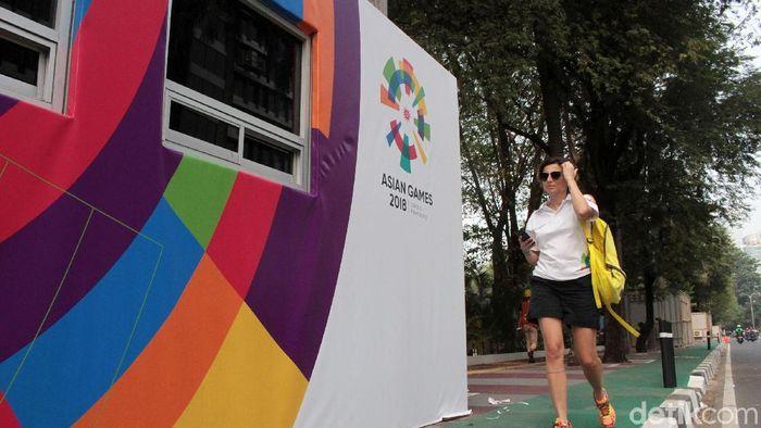 Loket tiket Asian Games 2018 disediakan di kawasan GBK, Senayan, Jakarta. Saat ini loket terebut masih dipercantik dengan logo Asian Games. (Rifkianto Nugroho/detikSport)