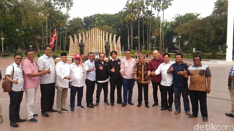 Siap Deklarasi, Relawan Projo Kumpul di Tugu Proklamasi