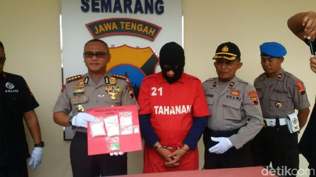 Pengedar 1 Kg Sabu per Bulan Dibekuk di Semarang