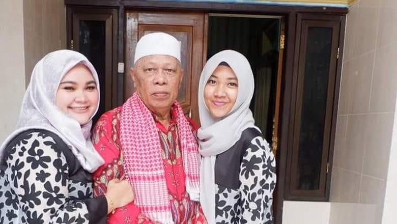 Senyum Kakek 70 Tahun Nikahi Gadis dari Bone dengan Mahar Rp 1 M