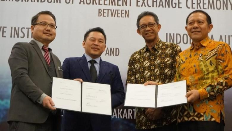 Penandatanganan kerja sama Mobil ASEAN (Foto: Selfie Miftahul Jannah)