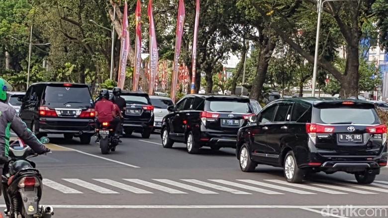 Mobil yang mengantar Jokowi saat daftar capres. Foto: Ray Jordan/detikcom