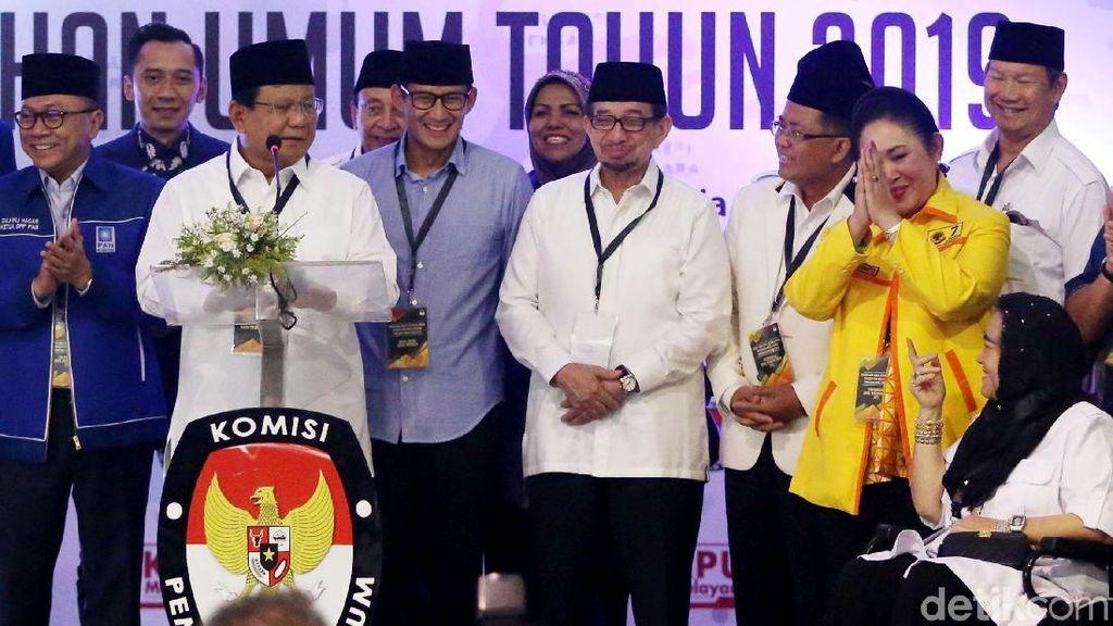 Kode Mesra Prabowo-Titiek di KPU