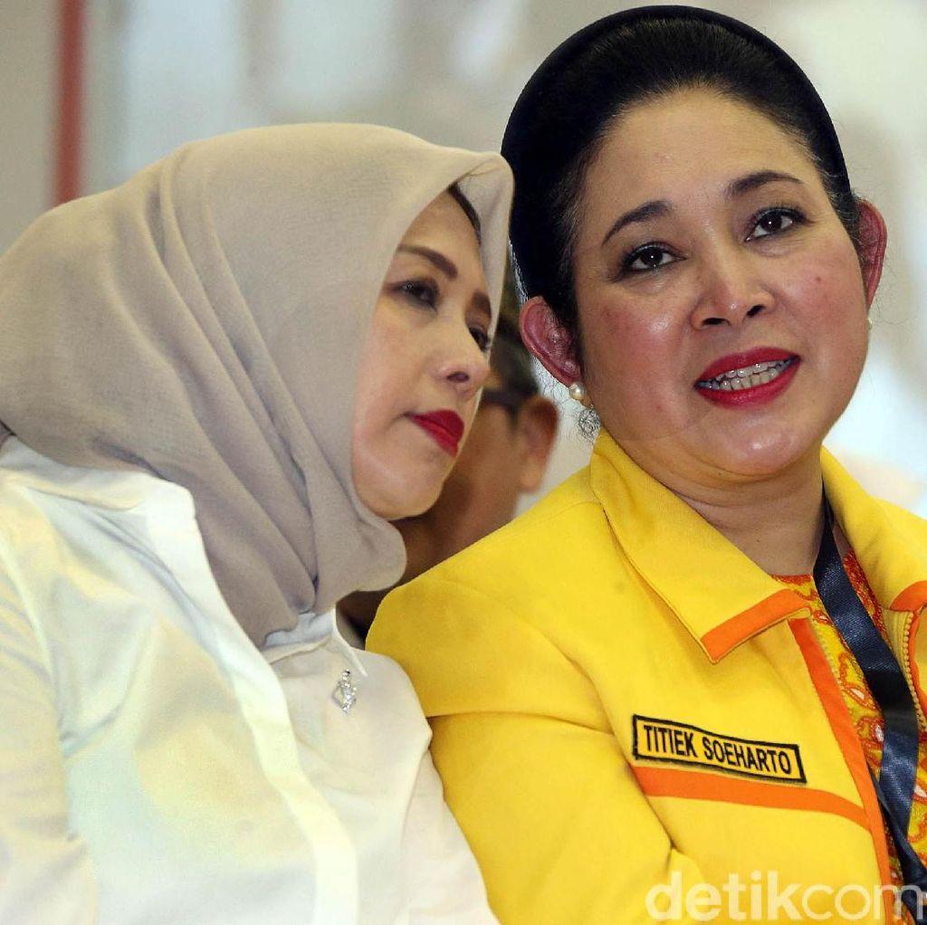Titiek Soeharto Sambangi Kediaman Prabowo