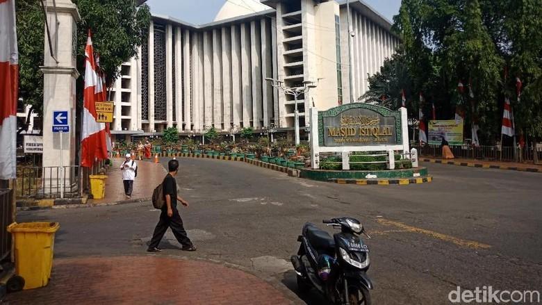 Jokowi-Ma'ruf Amin Batal Salat Jumat di Istiqlal