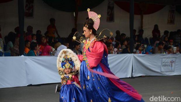 Saat Bocah-bocah Cilik Ikut Semarakkan Jember Fashion Carnival
