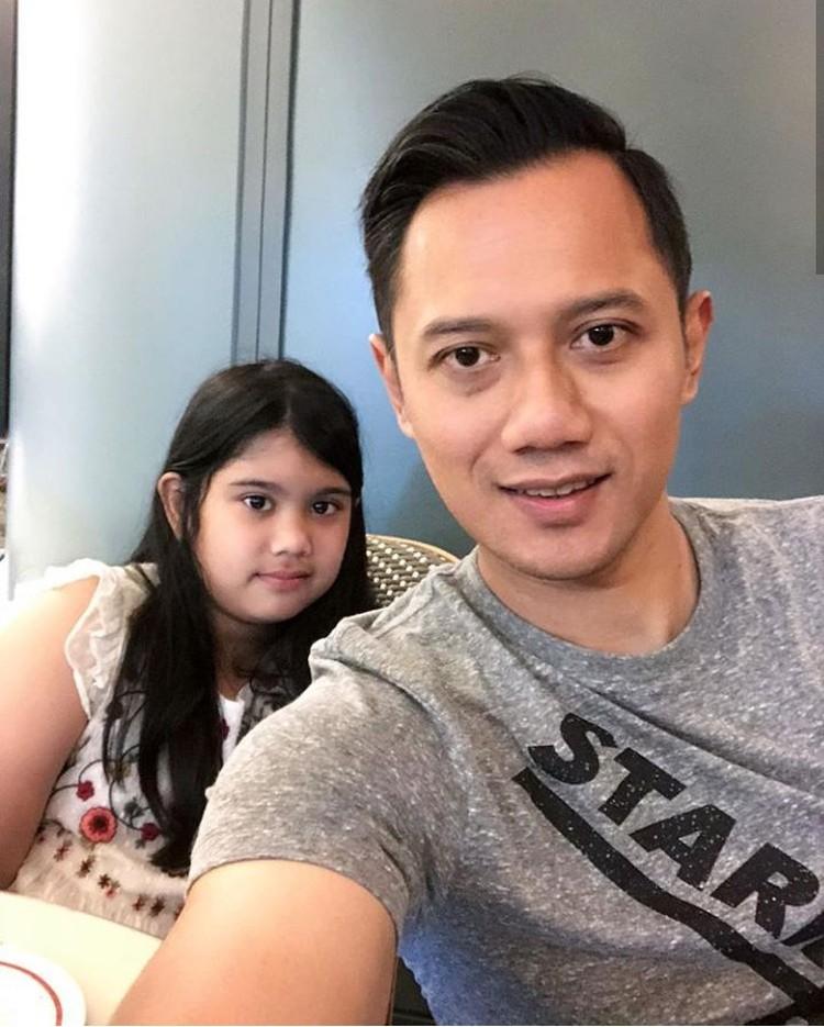 Agus Harimurti Yudhoyono mau makan bareng putrinya, Aira. Kira-kira makan siang apa ya mereka? (Foto: Instagram @agusyudhoyono)