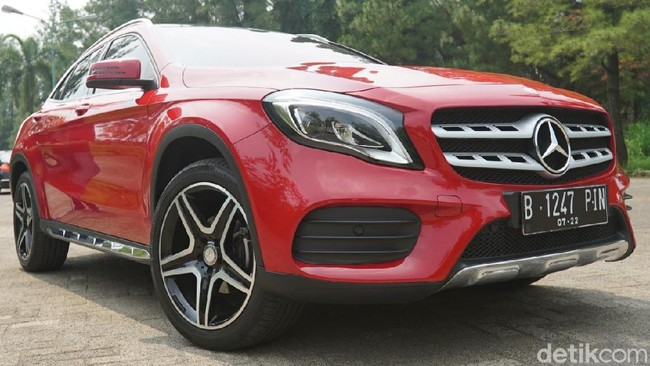 Mercedes-Benz GLA 200 AMG Line Foto: Dadan Kuswaraharja