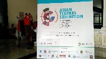 Keren! Kain Tenun Indonesia di Pameran Wastra Asia