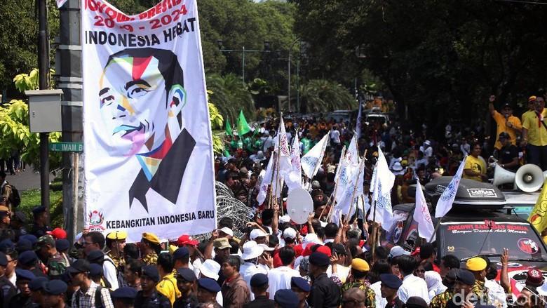 Pawai Pendukung Jokowi-Maruf Amin di KPU