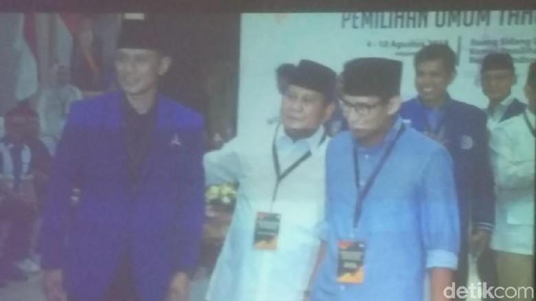 Prabowo Ajak Sandiaga dan AHY Foto Bareng di KPU