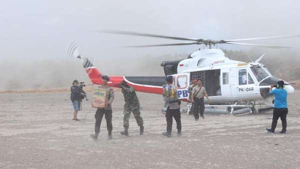 Tim Pakai Helikopter untuk Jangkau Dusun Terpencil di Lombok