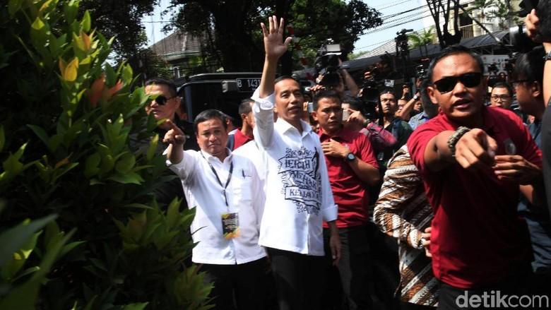 Jokowi dan Maruf Amin Tiba di KPU