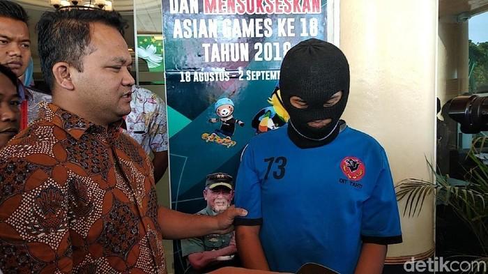 FS alias Farid (26) (Foto: Dony Indra Ramadhan/detikcom)