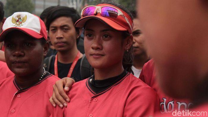 Syehan Hana Rahmani, atlet timnas sofbol putri  (Rifkianto Nugroho/detikSport)