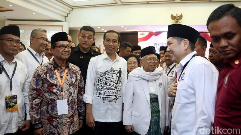 Tentang Kemeja Capres Bersih, Merakyat, Kerja Nyata Jokowi