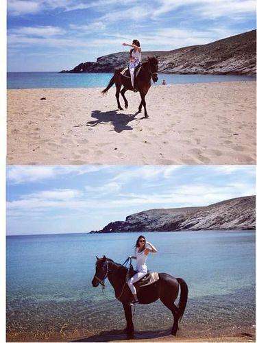 Kendall Jenner hobi naik kuda.