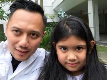 Kata Agus Harimurti Yudhoyono, hadiah terbaik yang seorang ayah bisa berikan kepada anaknya adalah waktu. Setuju, Bun? (Foto: Instagram @agusyudhoyono)
