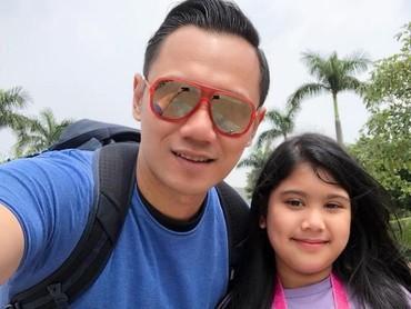 Kece banget sih gaya ayah dan anak ini.(Foto: Instagram @agusyudhoyono)