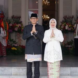 Mengintip Hijab Instan Renda yang Dipakai Istri Sandiaga Saat Umrah