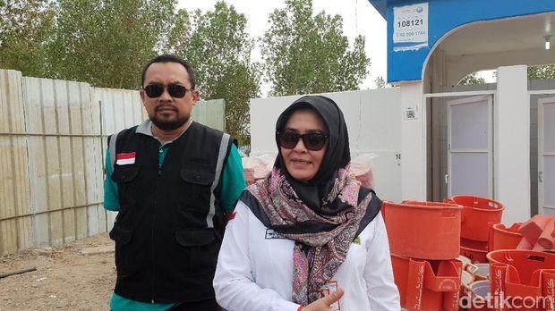 Pengendali Panitia Penyelenggara Ibadah Haji (PPIH) Sri Ilham Lubis mengecek kesiapan di Arafah